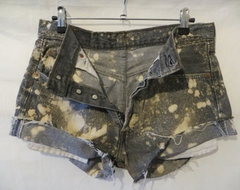 Acid washed Levis Short/ladies girls women shorts/ grey and white/festival  summer shorts Waist 32