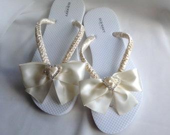 Ivory Flip Flop Bridal Satin Bow, Braidsmaid Flip Flops, Beach Wedding Sandals, Wedding Flip Flops