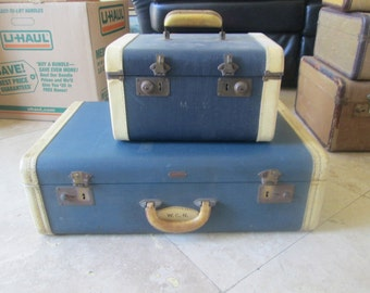 Six vintage (30's - 40's) suitcases in various shapes, sizes and condition.will sell seperately.
