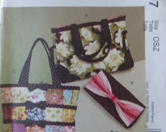 Sewing pattern McCall's 5897 totes and bags new uncut