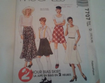 7707 McCall's Misses Bias Skirt Sewing Pattern P04 & P05