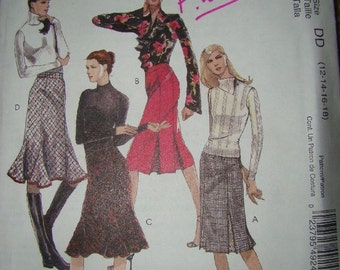 New Uncut McCalls 4924 Skirts sizes 12-14-16-18