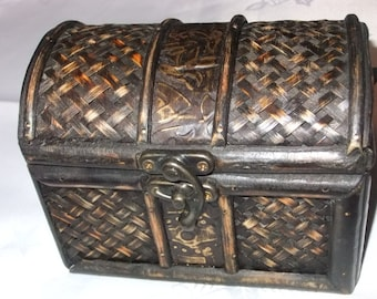 Small Brown Wooden Vintage Jewelry Box