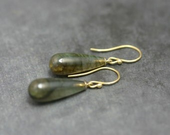 Earrings Labradorite, 18 kt gold