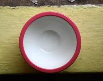 Vintage Small/Pink/Ribbed Plastic Bowl