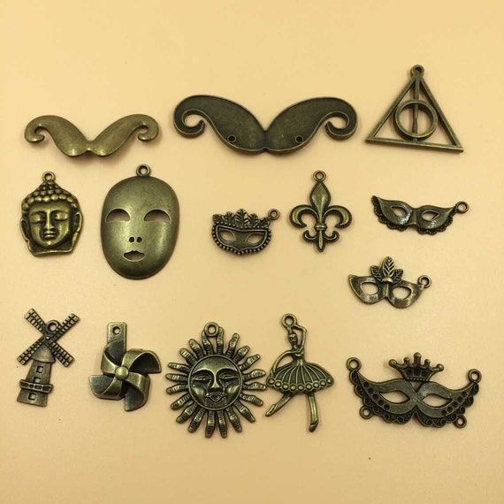 Mix assorted carved charms pendants vintage metal alloy