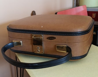 1950s French Vintage Suitcase