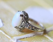 Gorgeous Vintage oval moonstone Ring Vitoria styel gift for her Christmas gifts R42