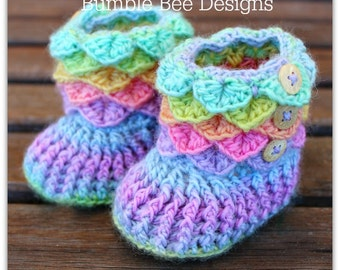 Crocodile Stitch Baby Booties That Stay On / Baby Slippers / Baby Booties / New Baby Gift / rainbow / 6-12 months / wool / baby slippers