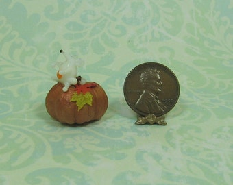 Dollhouse Miniature Fall Pumpkin with White Mouse
