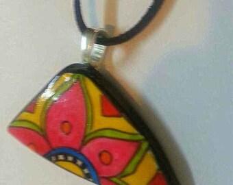 CRAZY DAISY tumbled china hand painted pendant