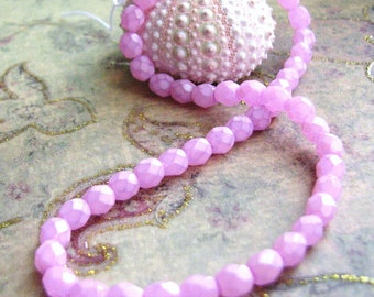 Mauve Pink Coated Crystal Glass Faceted Round Beads(str) b1712