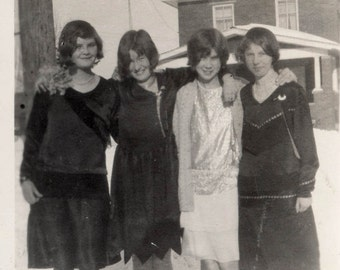 vintage photo Young Flapper ERa Gals Teenagers Before the Dance