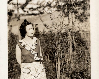 vintage photo 1932 Cute Young Lady Eyes Closed Unique Fashion in Field