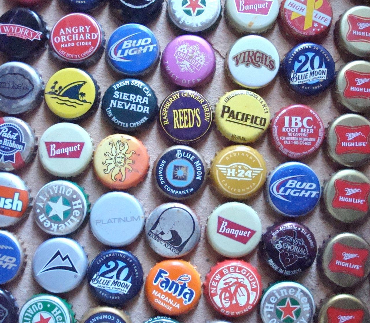 Metal beer soda recycled bottle caps found objects for Can beer bottle caps be recycled
