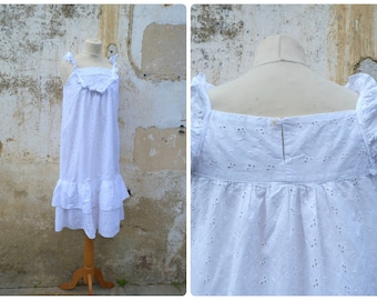 Vintage 1970/70s French white  eyelet dress Bohemian ruffled dress pinafore size S