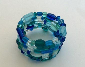 Blue green clear bead memory wire bracelet - silver glass acrylic
