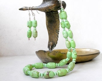 Green Magnesite Necklace and Earrings Jewelry Set Boho Ethnic Southwest Jewelry For Women