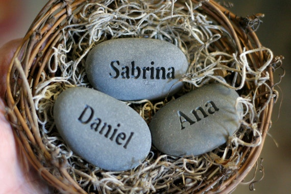 Mother's nest personalized - Set of 3 engraved name stones in bird nest - Mom's Nest (c) by sjEngraving