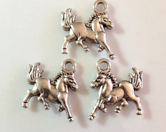 5 Galloping Horse 2 Sided Western Charms - Antique Silver- SC44#MG