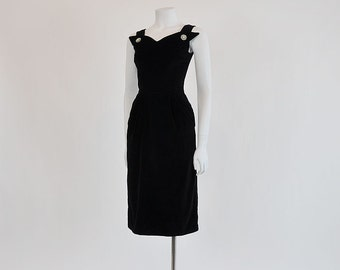 vintage dress / Vintage 50's Winged Bodice Wiggle 1950s Dress
