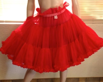 Vintage Petticoat, Bright Red Crinoline, Square Dance, Rockabilly, Malco Modes, M
