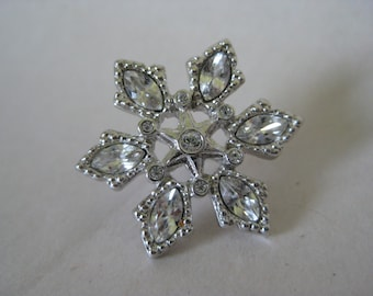 Snowflake Star Brooch Pin Silver Rhinestone Vintage Clear Lapel