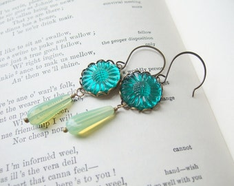 Sunny Day-sies - Vintage Glass Earrings in Emerald and Green Opal