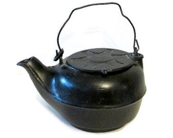 rustic black cast iron tea kettle vintage no 7 humidifier kettle