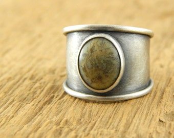 Wide silver band, bezel-set agate, metalwork ring, genuine stone ring, extra wide band, tapered back, ready to ship.