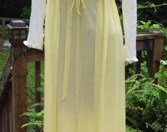 VASSARETTE PEIGNOIR Long Lemony Vintage Nightgown Small Xs 32