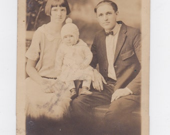 1920-30s  picture post card of young family