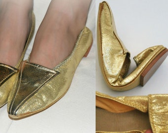 SALE! Gold Lame Foldable Flats or Slippers - Bertlyn New York - size 5 - 5 1/2 - xs or small - petite