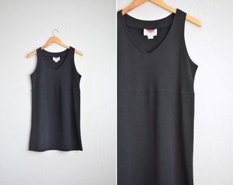 Size S/M // SIMPLE V-NECK DRESS // Black - Honeycomb Patterned - Sleeveless - Vintage '90s Minimalist.