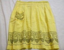 Vintage Gingham Apron,Yellow and White Gingham, Vintage Aprons, Farm Aprons, Chicken Scratch Embroidery, Apron with Pocket