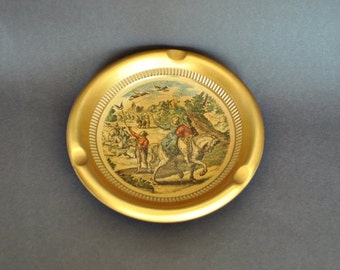 Gold Giotto Florentine Ashtray Depicting 17th Century Hunting Scene
