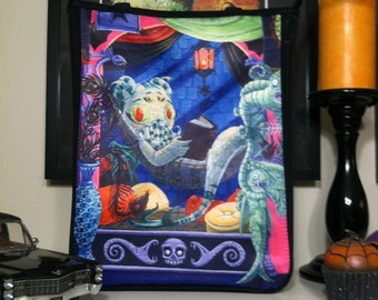 Cthulhu Girl Tote Bag - Cthulhu Girl Reading Lovecraft in the Museum of the Weird