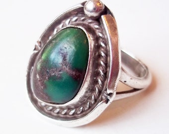 Vintage Navajo Sterling Silver and Green Turquoise Ring - Native American Silver - Southwestern Sterling - Size 6 - Asymmetrical Stone