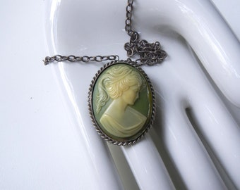 """Vintage Mint Cameo Necklace / Pin - Silver 18"""" Adjustable Chain"""