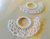 Vintage lace shades pulls from along time go. These are great for shabby chic, lacy victorian look !!window tassels