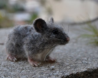 Needle Felted Mouse. Gray Mouse. Real size .