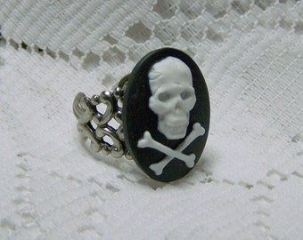 Pirate Skull Crossbones Pirate RING, Pirate Cross, Antiqued Silver Filigree, Adjustable Ring, Blackbeard
