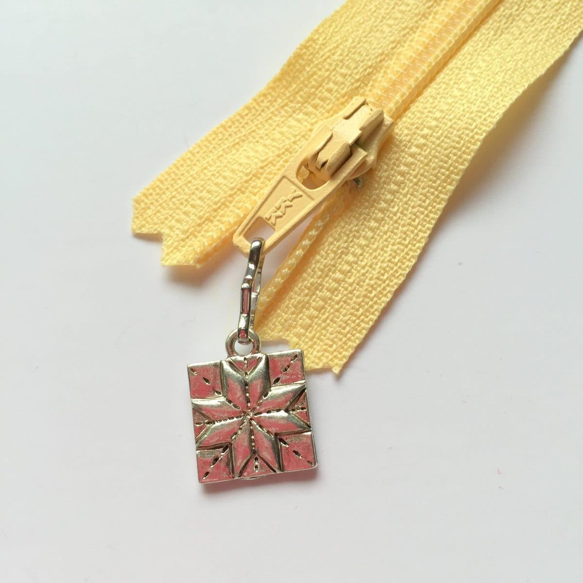 1 quilt block zipper pull charm