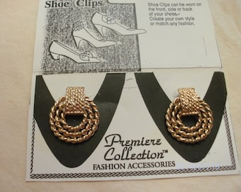Gold Tone Round Metal Shoe Clips In A rope Design