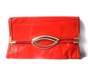 vintage 70's red faux leather purse handbag retro fashion accessories accessory womens clutch foldover gold metal disco vinyl square bag old