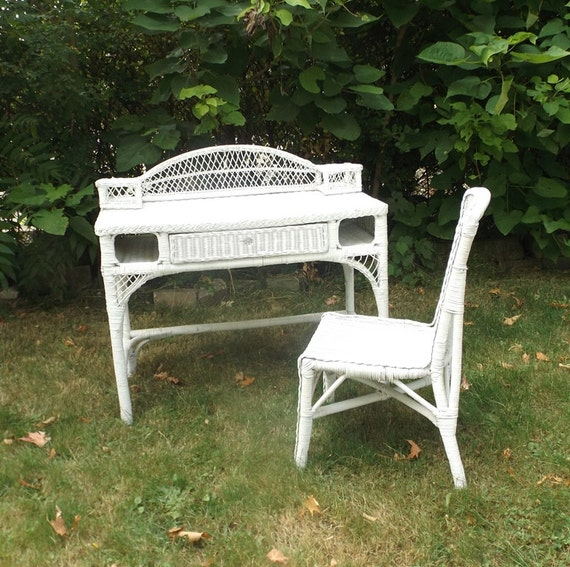 Items Similar To Vintage 1980's White Wicker Desk & Chair