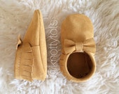 Buckskin suede moccasins for babies and toddlers