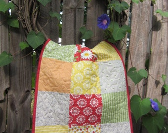 CITRUS QUILTED TABLERUNNER, Daisies, Charm Pack Quilt, Reds, Oranges, Yellows, Greens, Summer Table Mat, Traditional Country