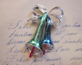 vintage holiday brooch - elongated BELLS - Christmas brooch