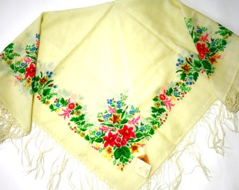 """Russian Scarf Headscarf Shawl with Tassels Floral on Cream Wool 37"""" inches From Russia Soviet Union USSR"""